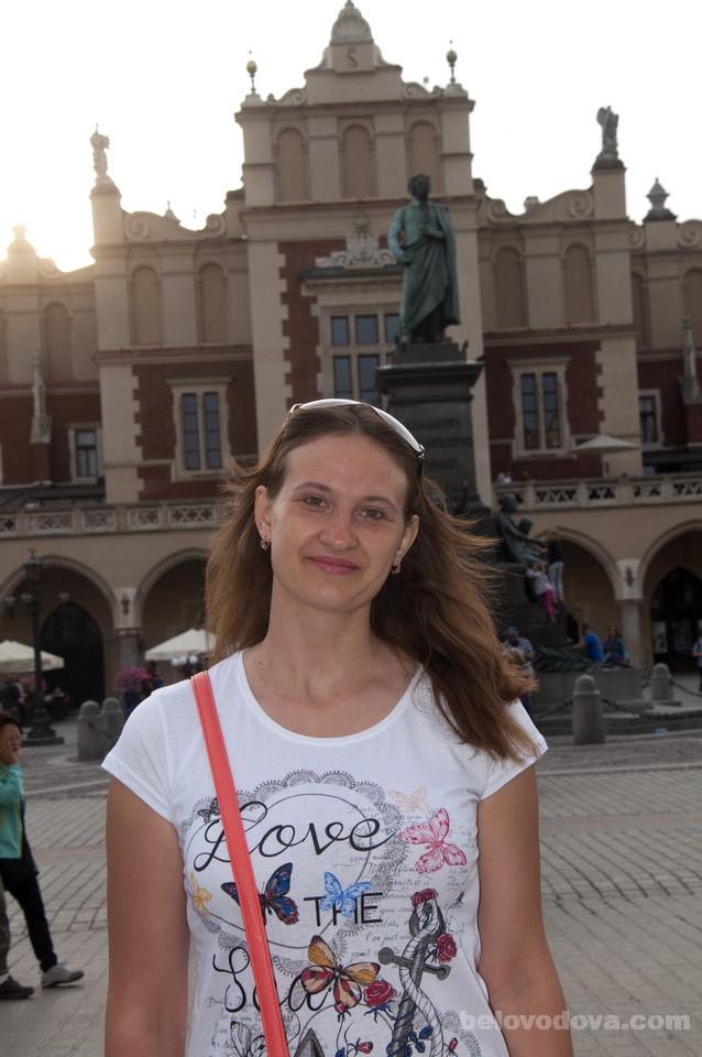 возле памятника Адаму Мицкевичу