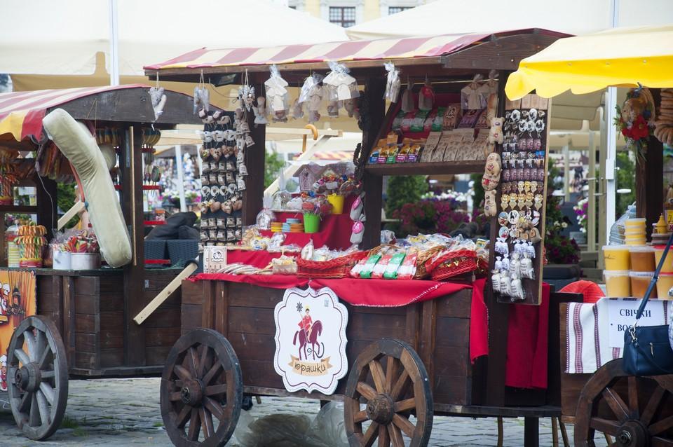 Сувенирная лавка на Рыночной площади