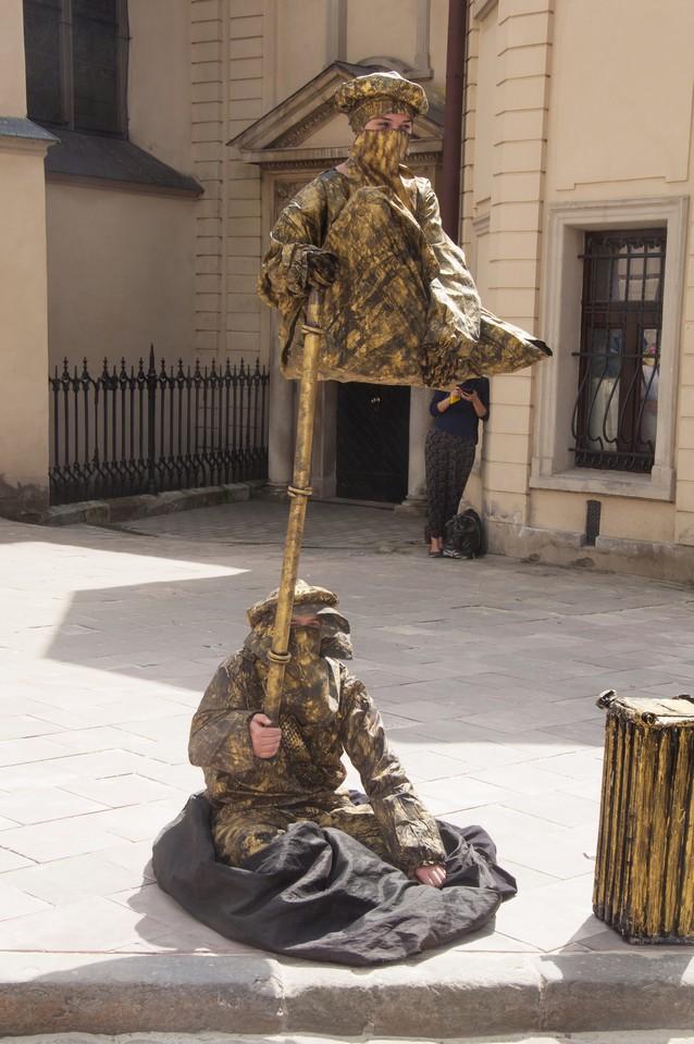 Живая скульптура Львов