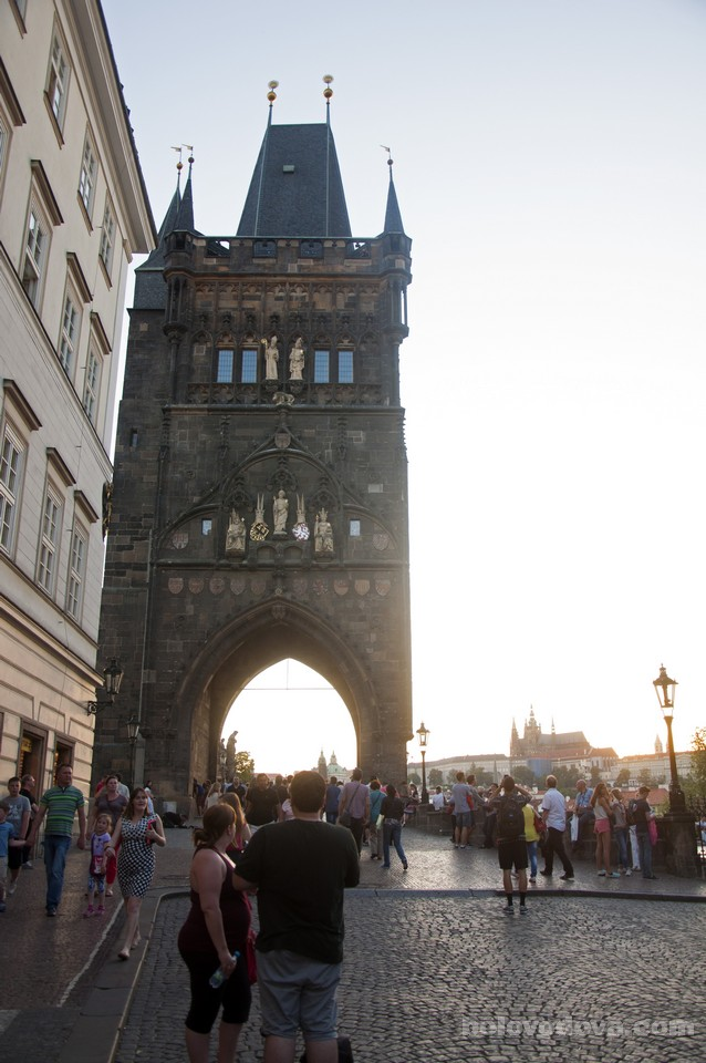 Charles_Bridge_in_Prague