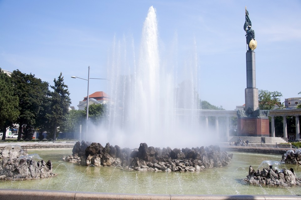 Monument_to_Soviet_soldiers