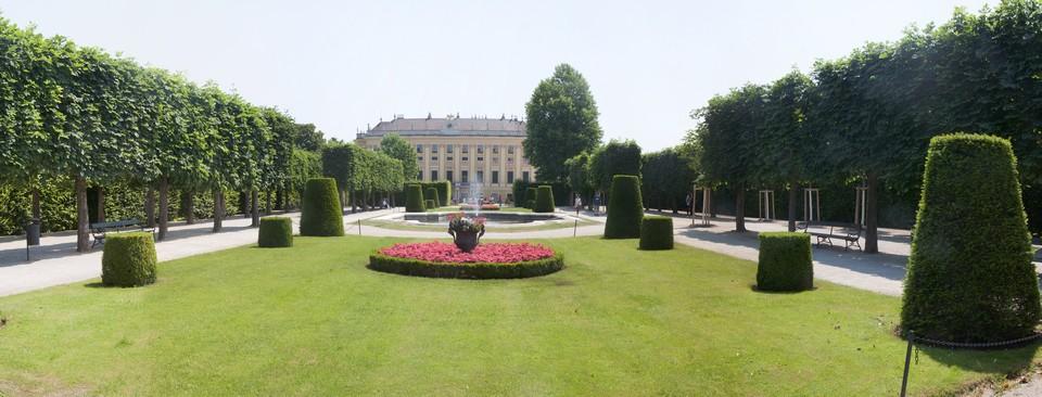 panorama_Schoenbrunn_park