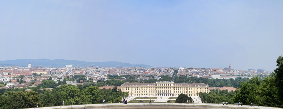 view_from_Gloriette_colonnade